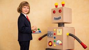 KI-Experte-Der vielleicht begehrteste Job auf dem weltweiten Arbeitsmarkt-young-robot